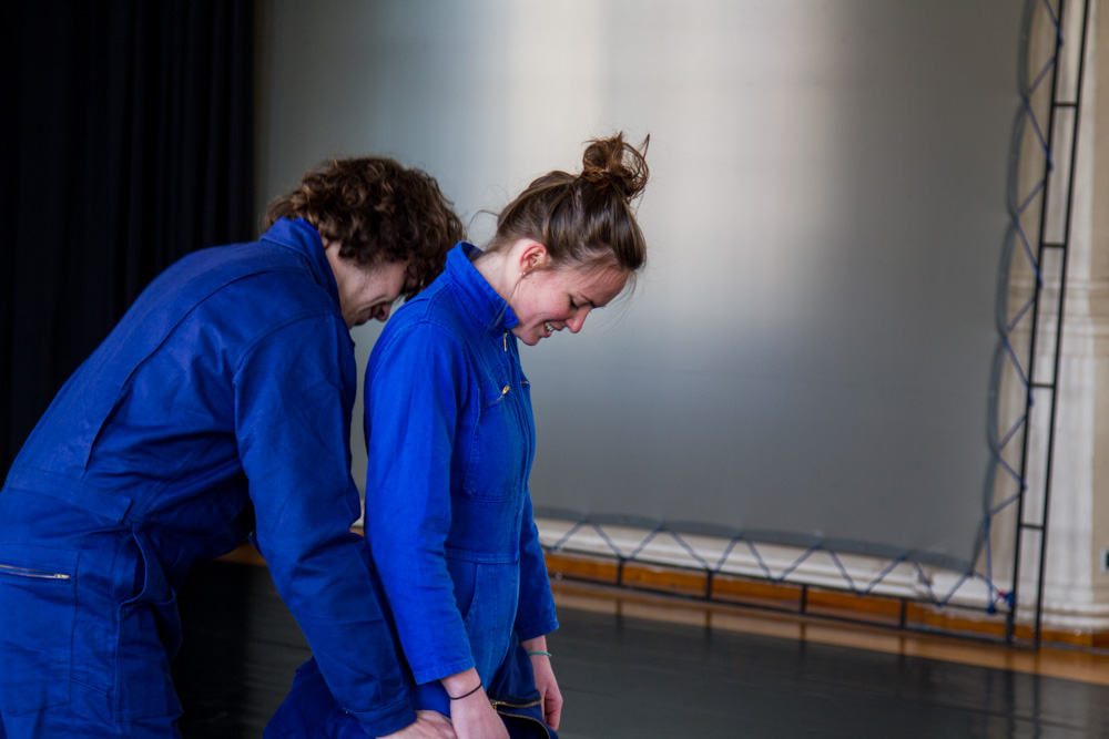 La danse contemporaine par les bleus